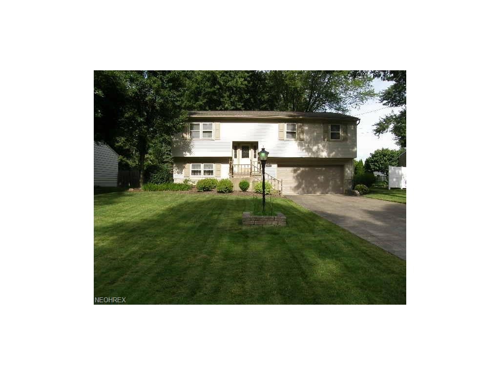 8241 Hitchcock Rd, Youngstown, OH 44512