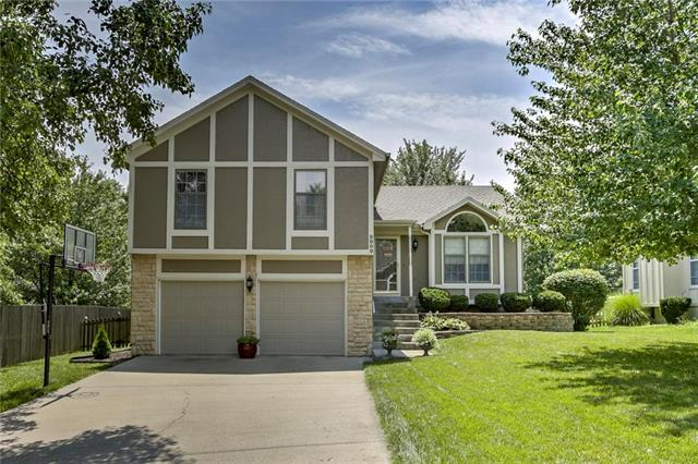 8909 W 127th Place, Overland Park, KS 66213