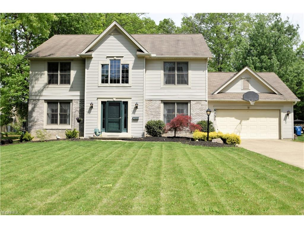 4237 Canterbury Rd, North Olmsted, OH 44070