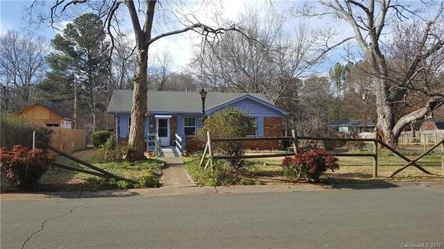 707 Farmcrest Drive L7, Charlotte, NC 28206