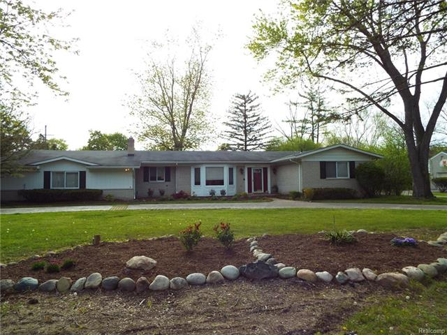 20711 KENNOWAY Circle, Beverly Hills Vlg, MI 48025