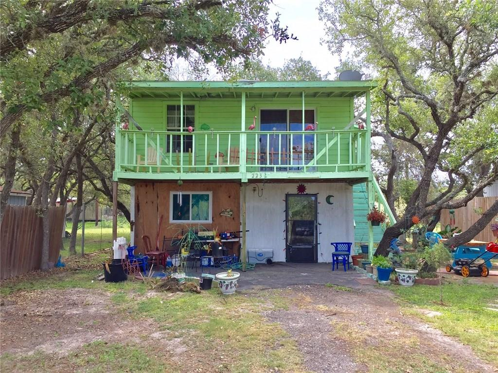 223 Lakeview Dr, Rockport, TX 78382