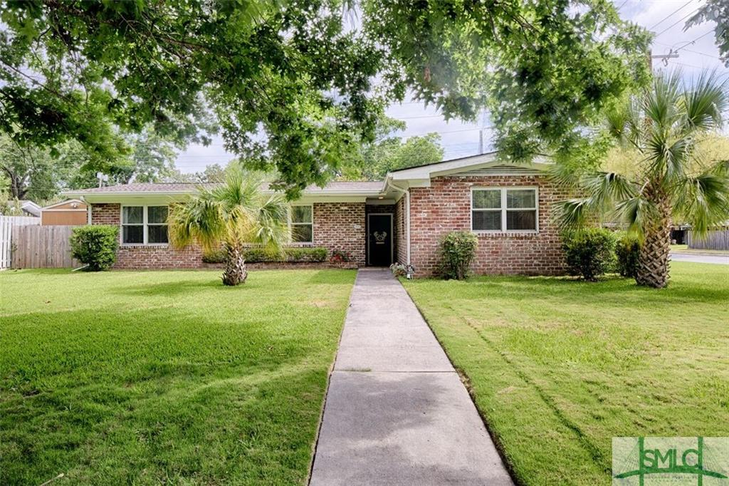 310 Lafayette Circle, Savannah, GA 31405