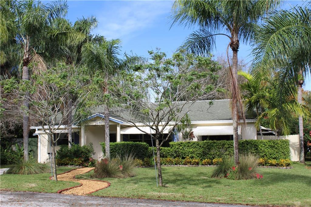 8683 SE Jardin Street SE, Hobe Sound, FL 33455