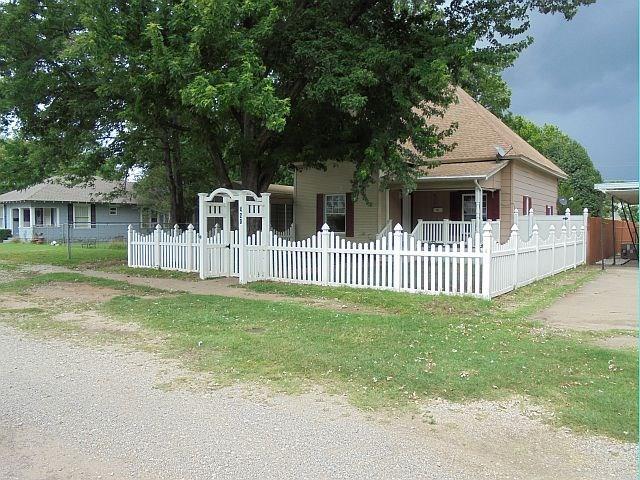 420 N Elm, Pauls Valley, OK 73075