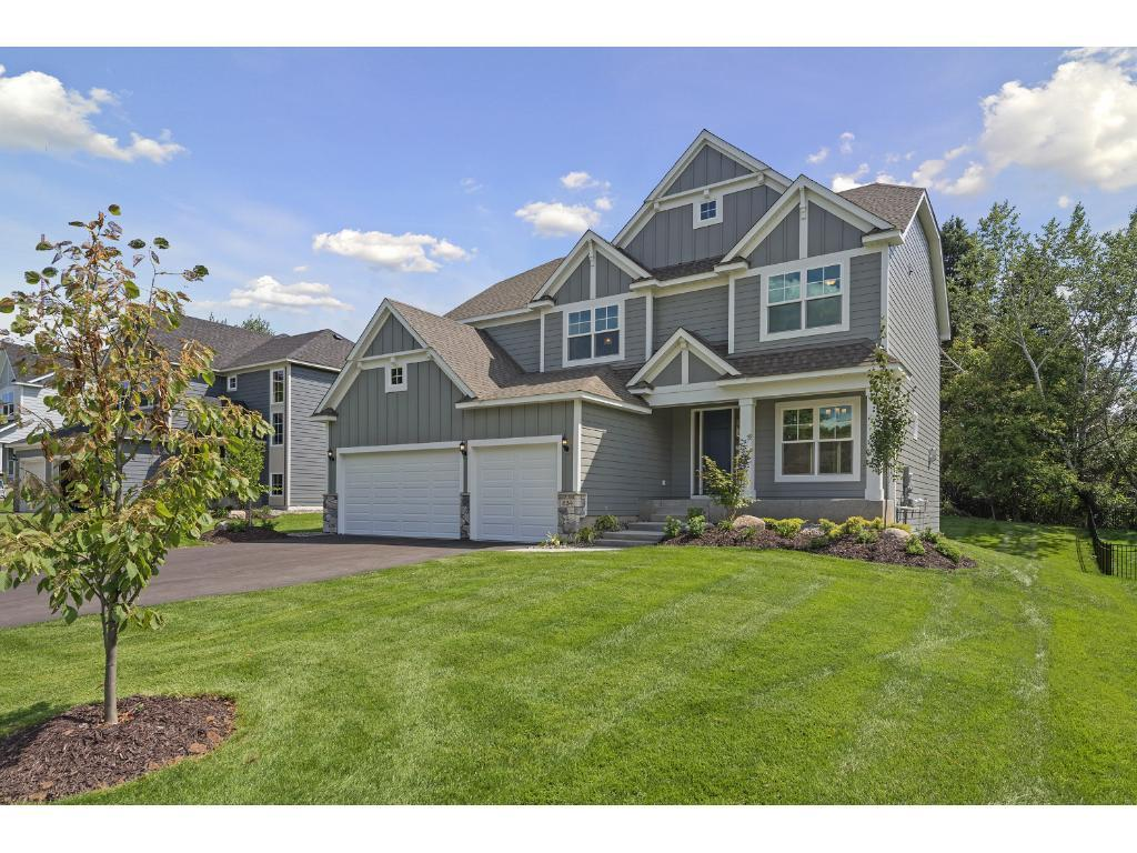 834 Gramsie Road, Shoreview, MN 55126