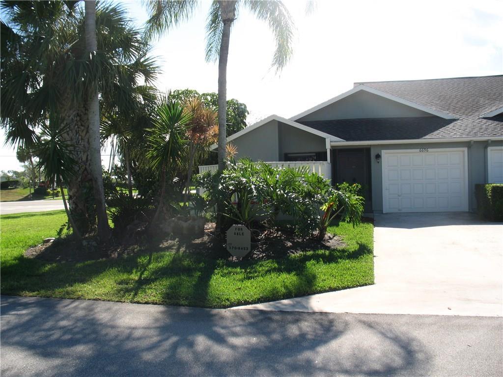 6696 SE Yorktown Drive, Hobe Sound, FL 33455