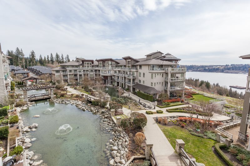 580 RAVEN WOODS DRIVE 401, North Vancouver, BC V7G 2T2