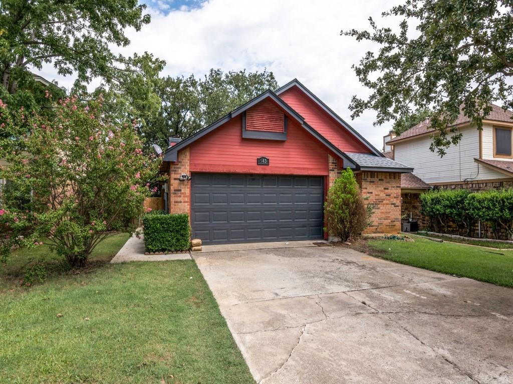 943 Boxwood Drive, Lewisville, TX 75067