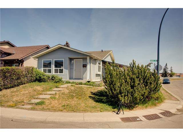 104 ABINGER Crescent NE, Calgary, AB T2A 6L3