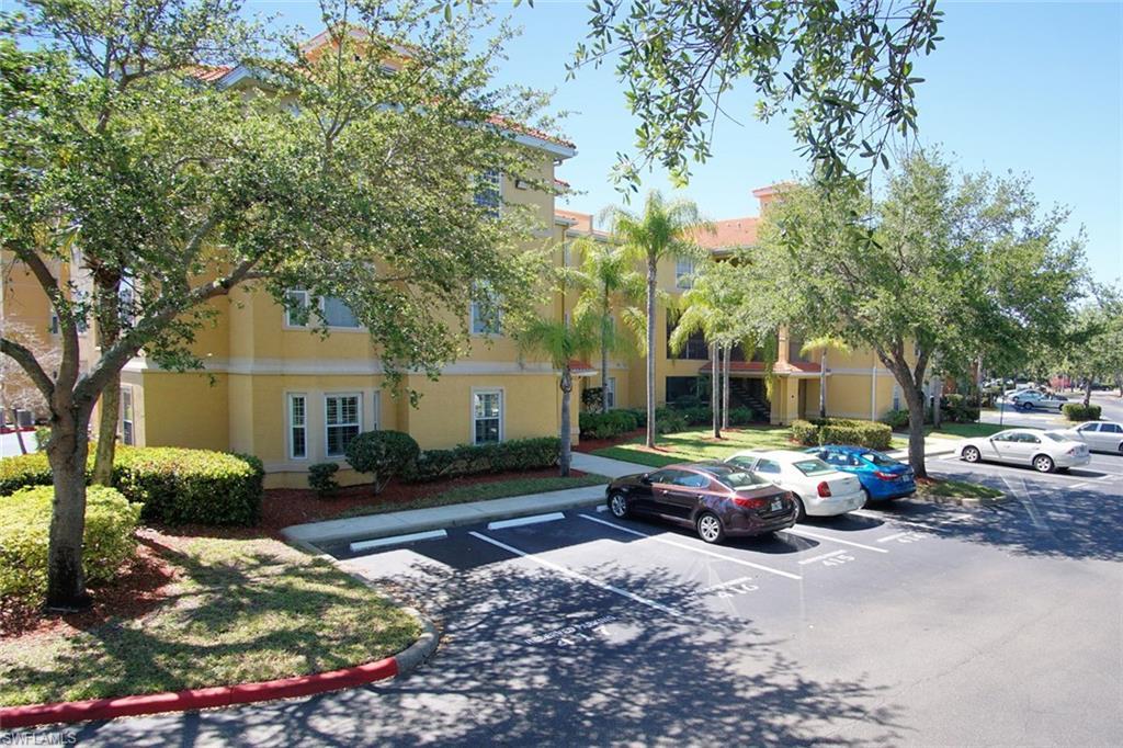 23500 Walden Center DR 105, ESTERO, FL 34134