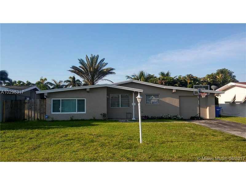 8840 NW 15th Ct, Pembroke Pines, FL 33024