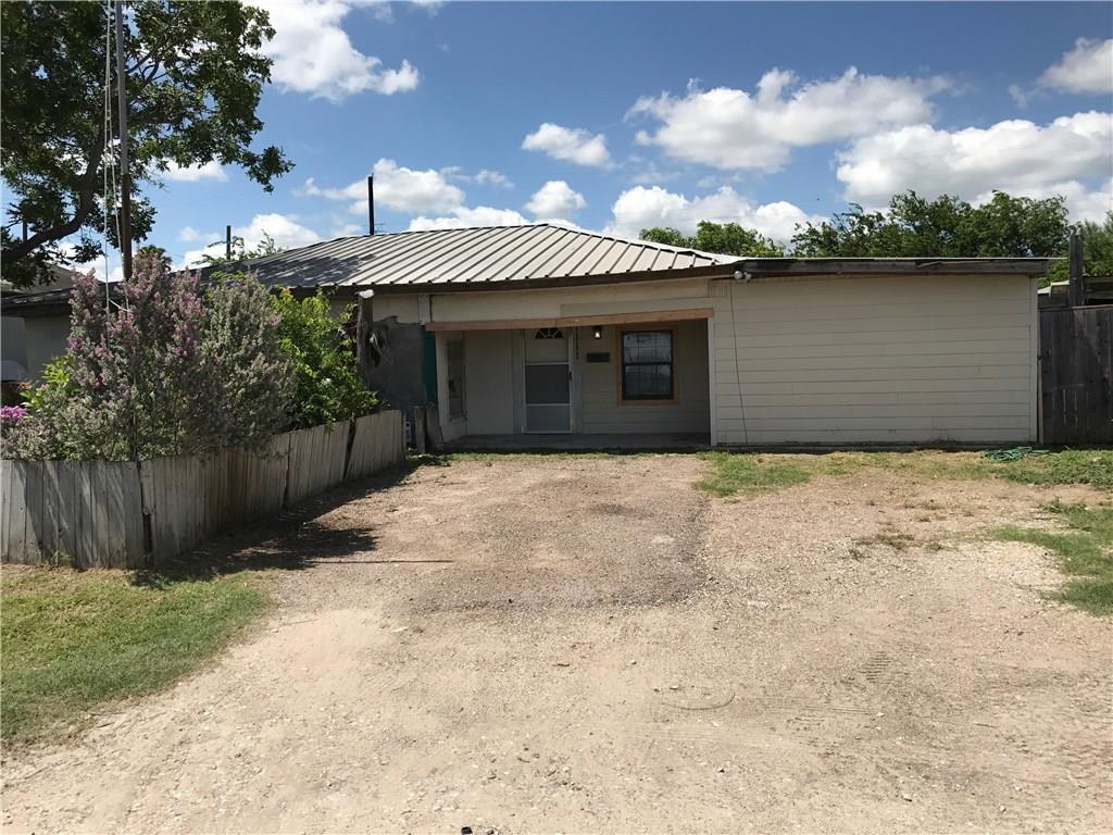 1111 Ruben Chavez, Robstown, TX 78380