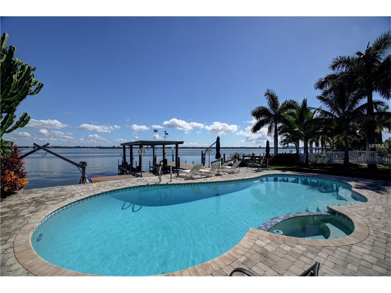 709 HARBOR ISLAND, CLEARWATER BEACH, FL 33767