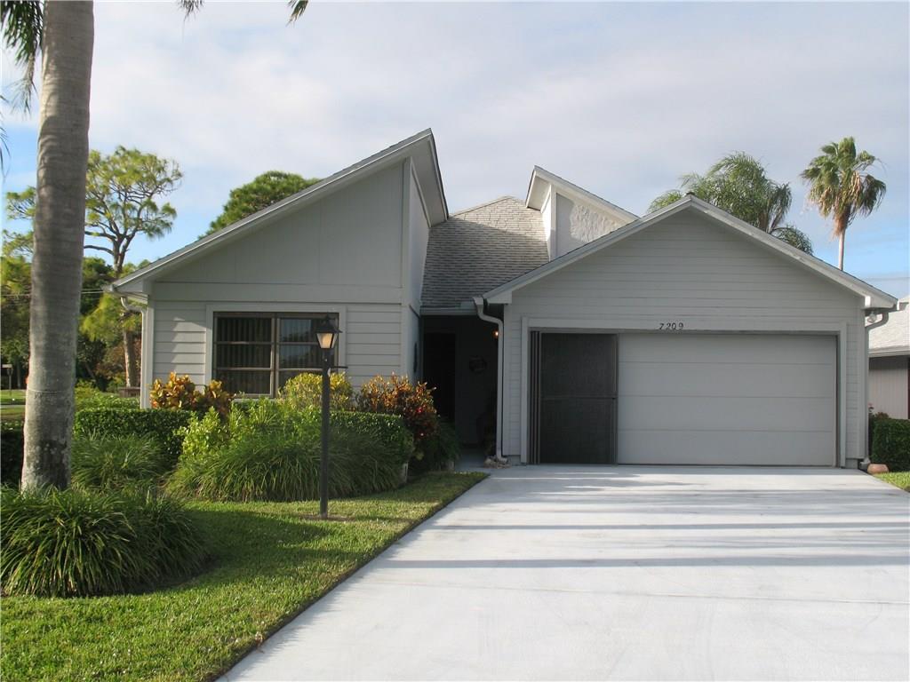 7209 SE Quincy Terrace, Hobe Sound, FL 33455