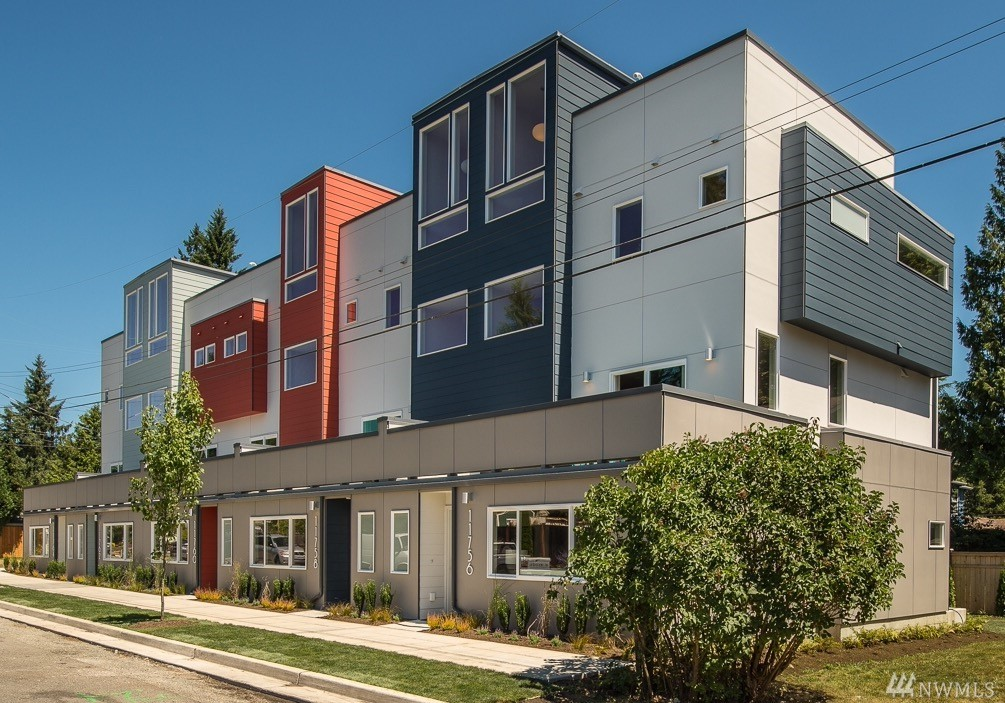 11758 Burke Ave N, Seattle, WA 98133