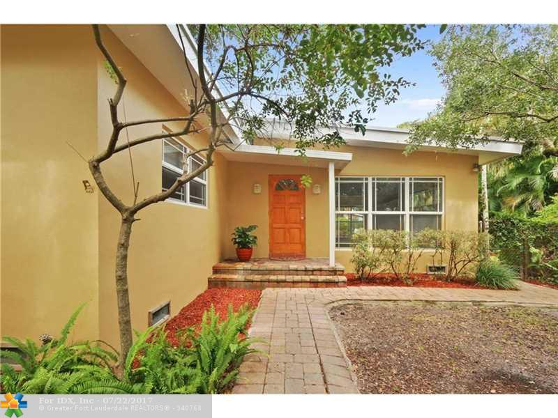 712 SW 14th Ter, Fort Lauderdale, FL 33312