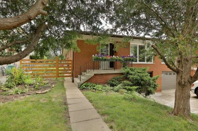 3597 Birchmeadow Cres, Mississauga, ON L4Y 3R8