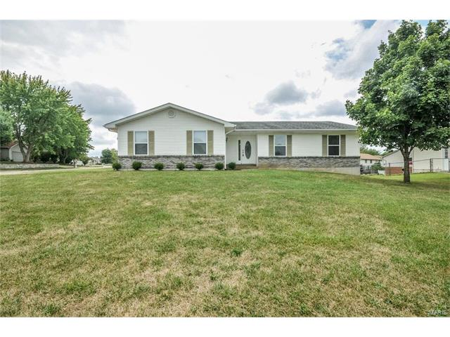 226 Strawberry Hill Estate Drive, O Fallon, MO 63366
