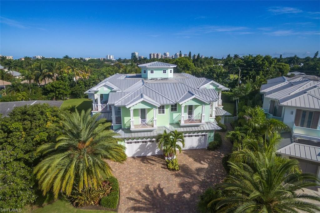 529 Fairway TER, NAPLES, FL 34103