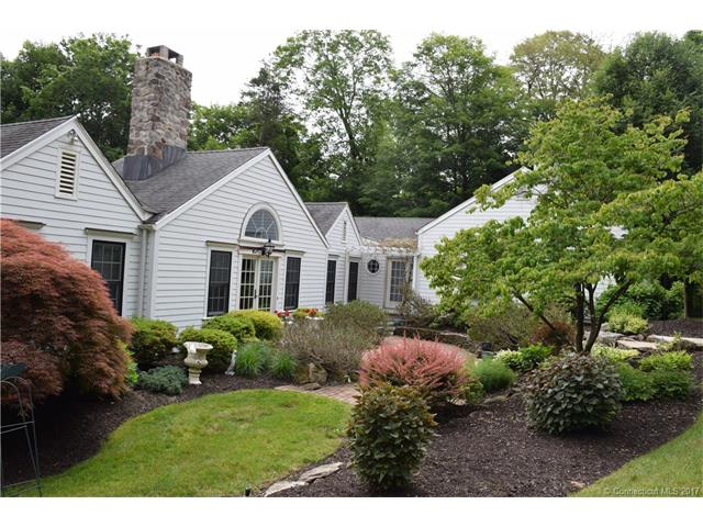 221 Mountain Brook Dr, Cheshire, CT 06410