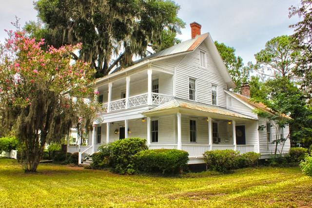 306 Fort King George Drive, Darien, GA 31305