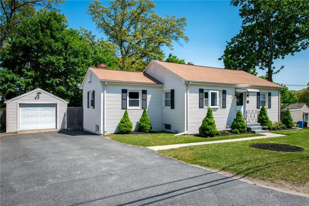 66 Colonial AV, Cumberland, RI 02864