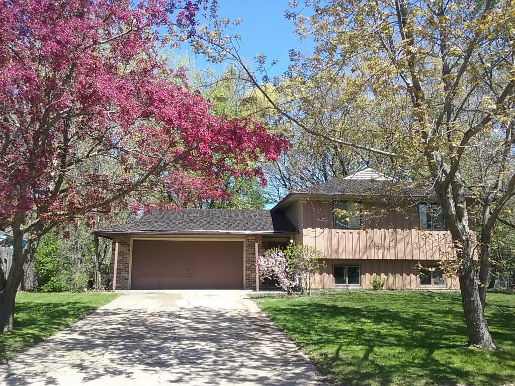 2364 Driftwood Lane, Stillwater, MN 55082