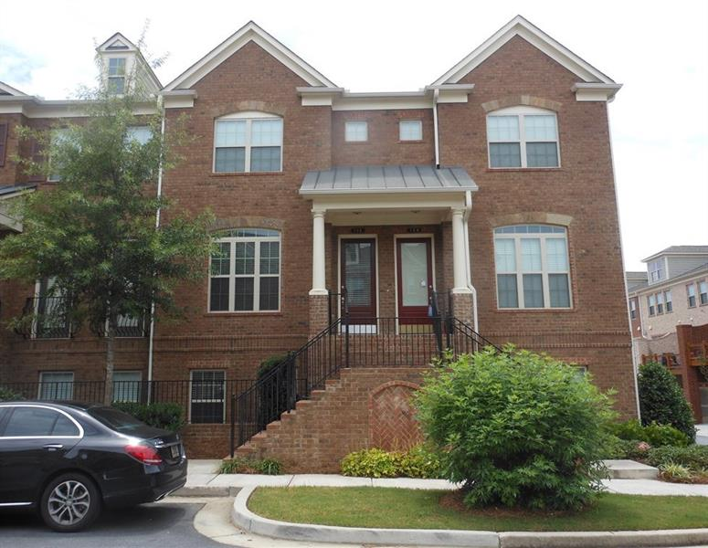 198 Alderwood Point, Atlanta, GA 30328