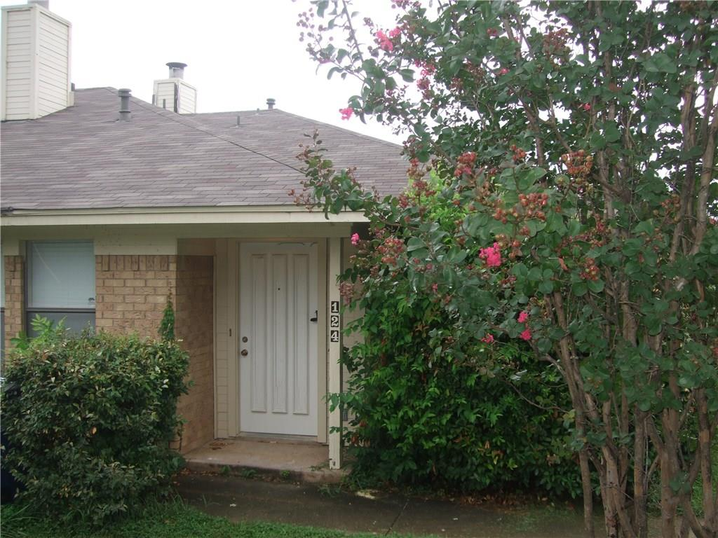 124 S Pipeline Road, Euless, TX 76040