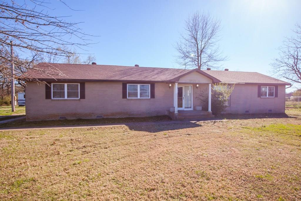 2420 Pleasant Ridge RD, Rogers, AR 72756
