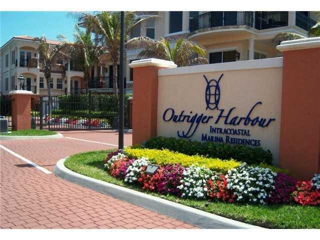 23 NE OUTRIGGER HARBOUR YACHT CLUB Drive 23, Jensen Beach, FL 34957