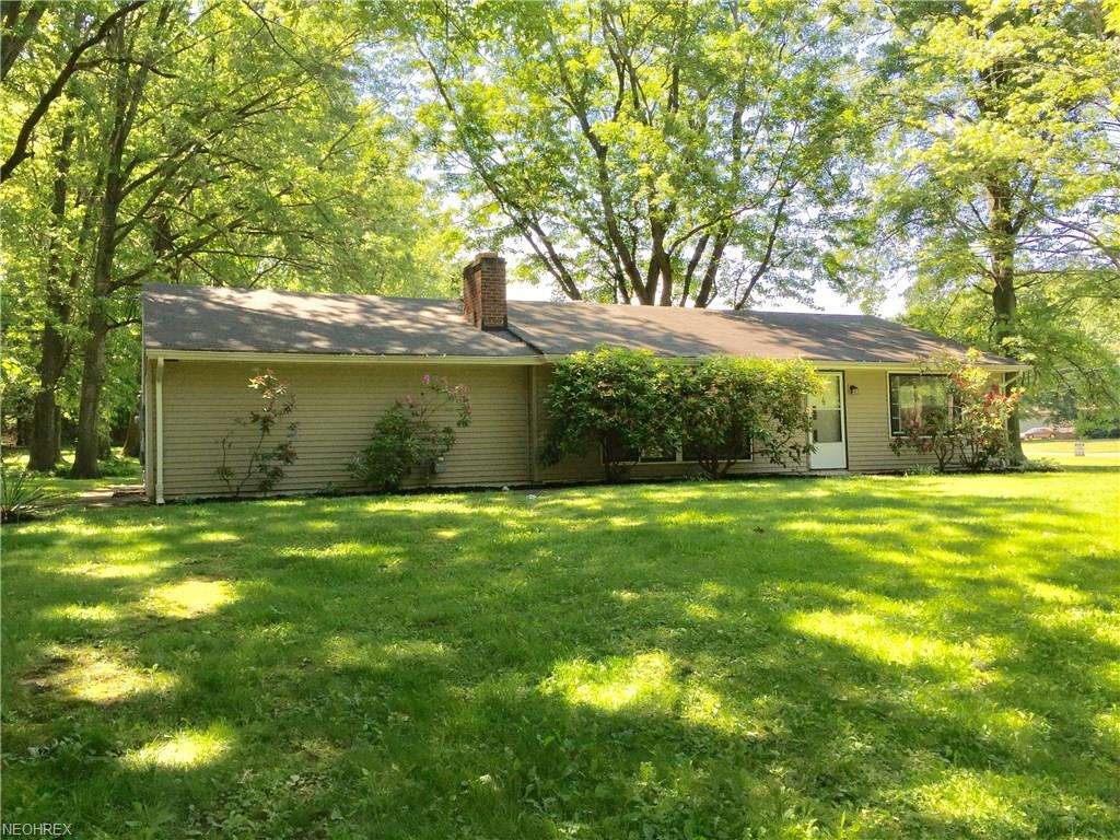 3860 Northlawn Dr, Youngstown, OH 44505