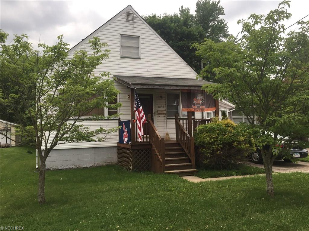 1435 Clark St, Niles, OH 44446