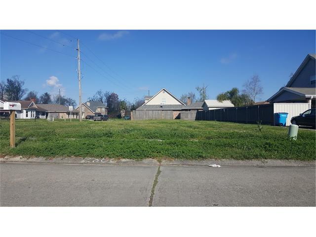 2800 OAK Drive, Violet, LA 70092