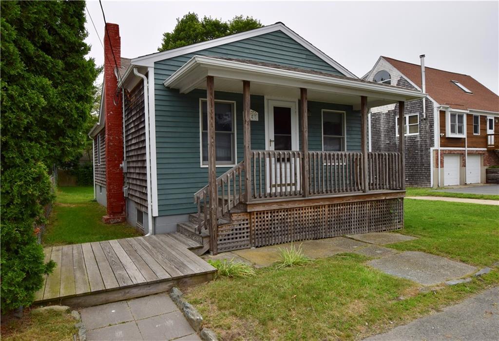 74 Cove ST, Portsmouth, RI 02871