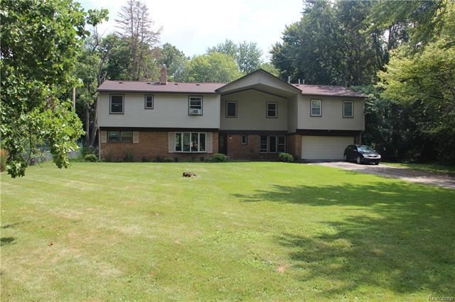 22160 HAMILTON Avenue, Farmington Hills, MI 48336