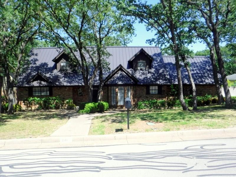 2111 Coolidge Drive, Arlington, TX 76011