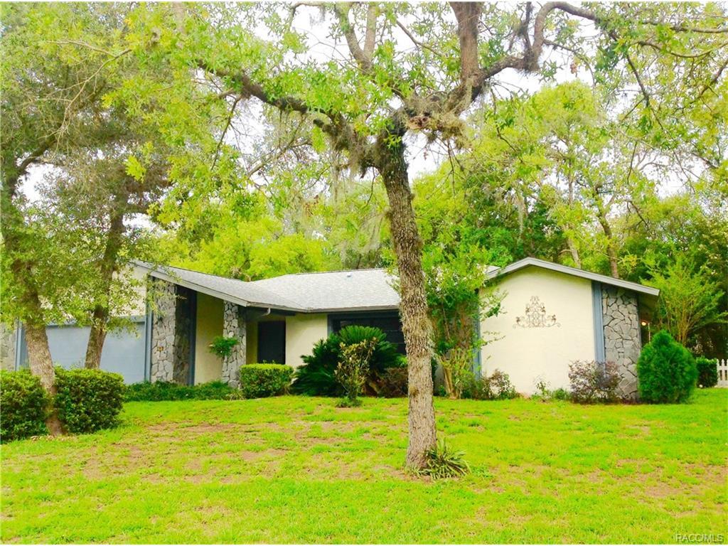 4 Hollyhock Court, Homosassa, FL 34446