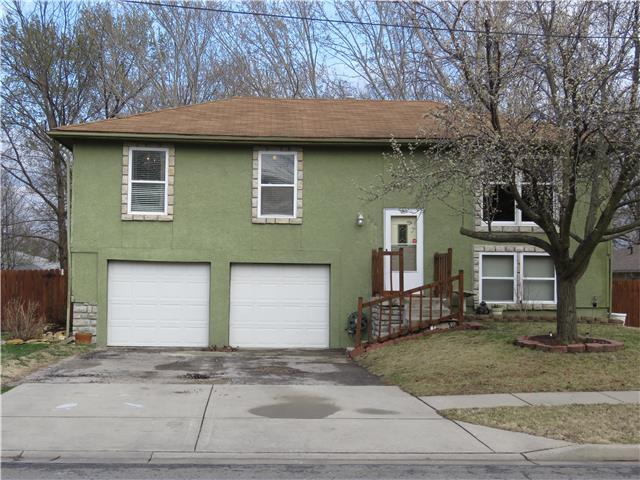 404 N Iowa Street, Olathe, KS 66061
