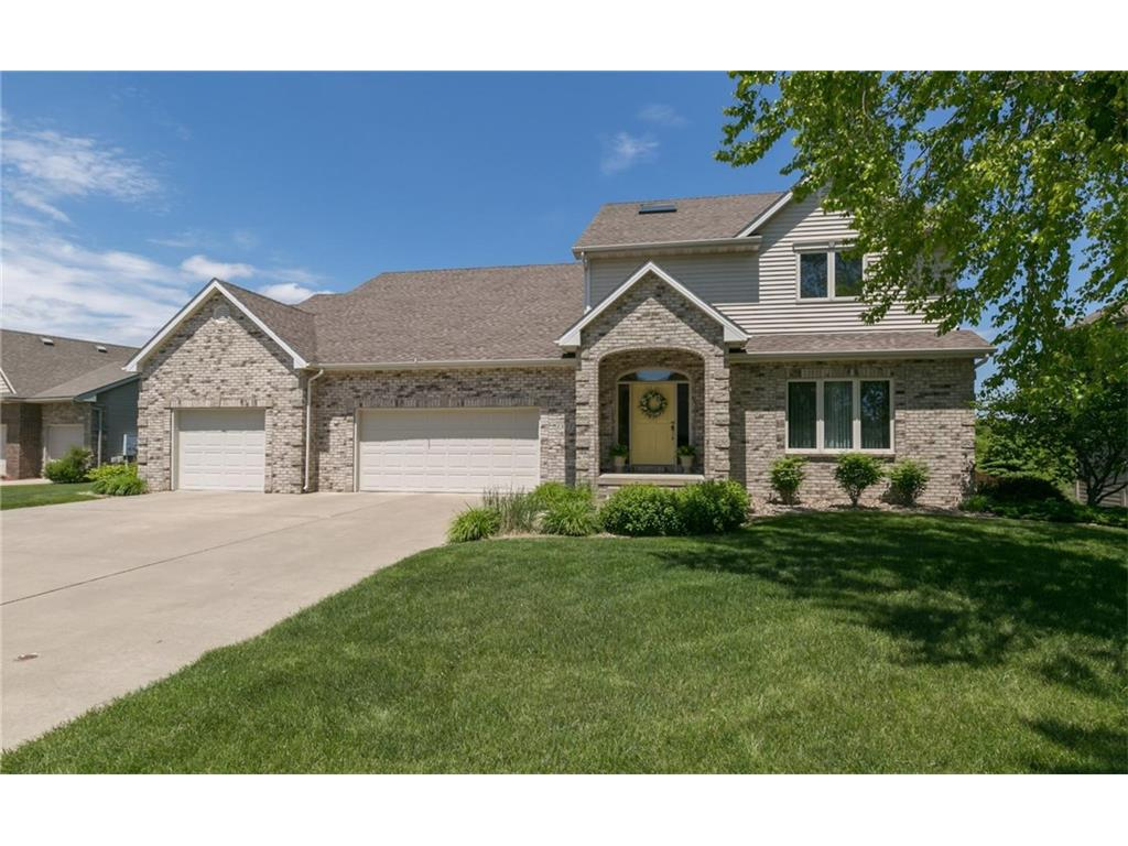15311 Oakwood Drive, Urbandale, IA 50323