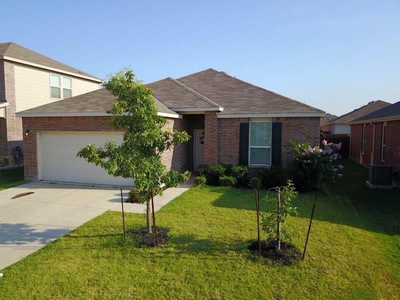 408 Chert Lane, Fort Worth, TX 76131