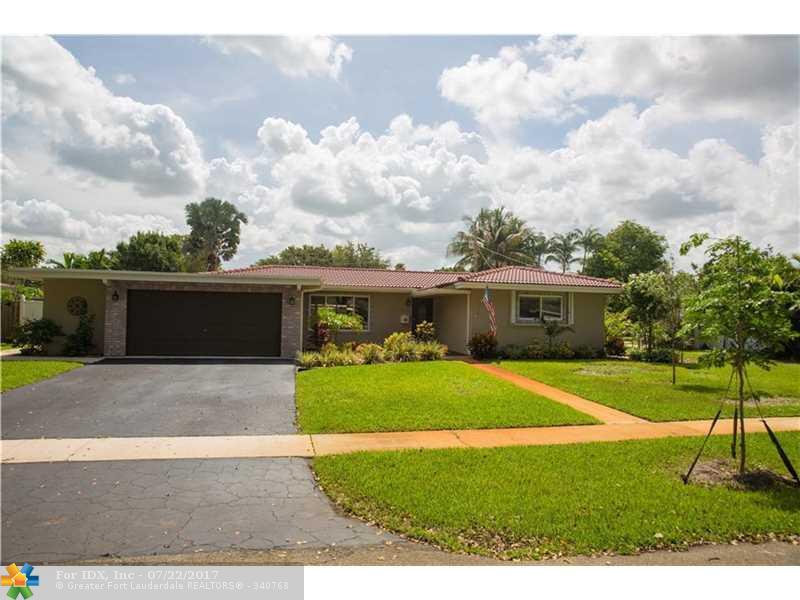 860 Petunia Dr, Plantation, FL 33317