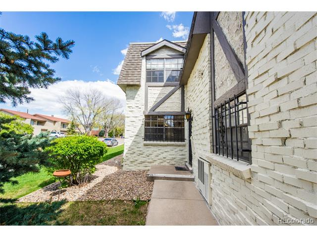 3524 S Ivanhoe Street, Denver, CO 80237