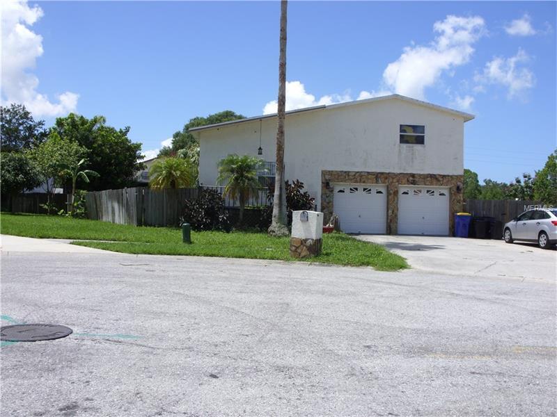 8629 CERCLE CHATEAUX RAE, SEMINOLE, FL 33777