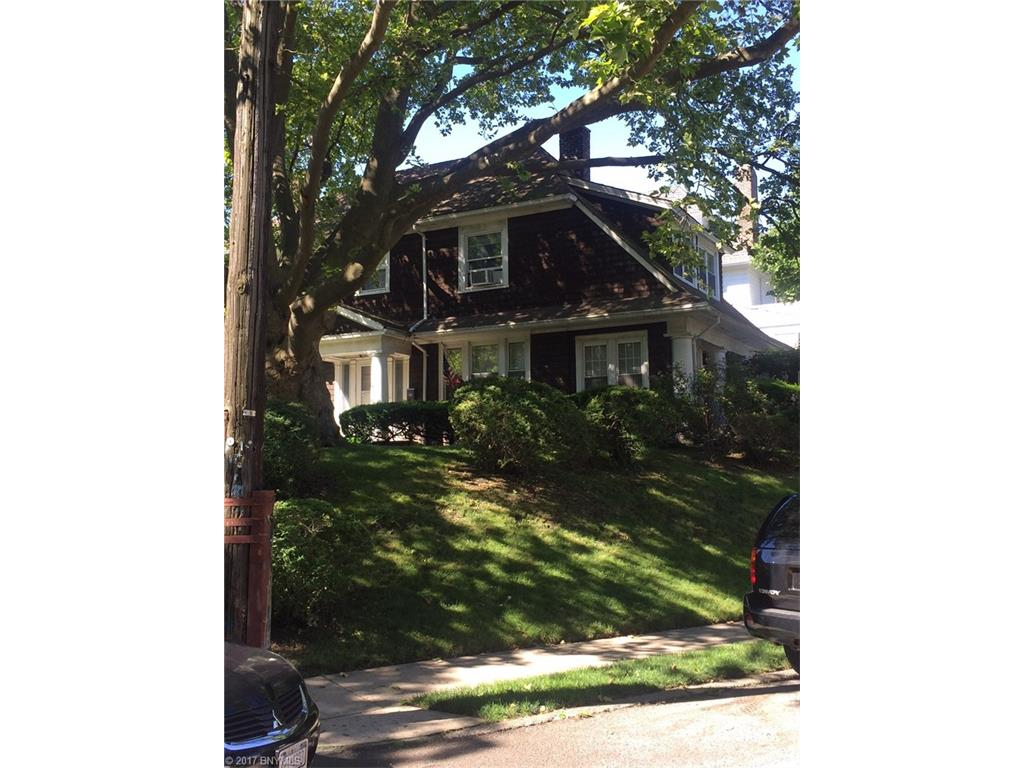 36 Belmont Place, Brooklyn, NY 10301