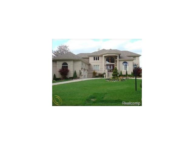 8629 Pine Cove, Commerce Twp, MI 48382