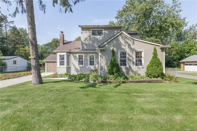 15825 GREEN LANE Avenue, Livonia, MI 48154