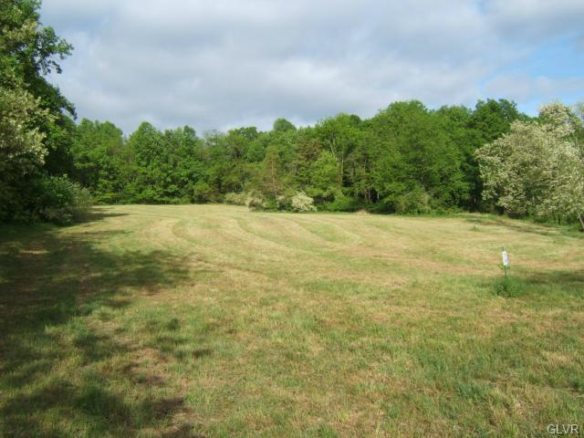 2440 Polk Valley Road, Lower Saucon Twp, PA 18055