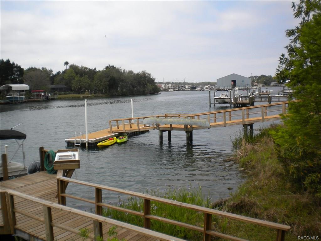 247 NW Bay Path Drive, Crystal River, FL 34428